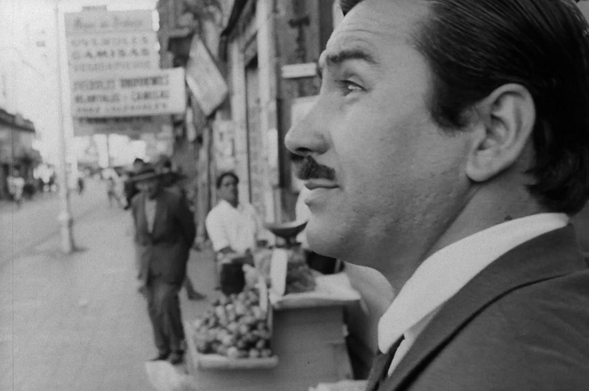 Fotograma de «Tres tristes tigres» (Ruiz, 1968).